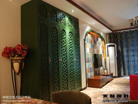 三居客厅东南亚装修设计效果图